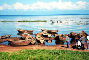 Boten aan het Victoriameer in Oeganda