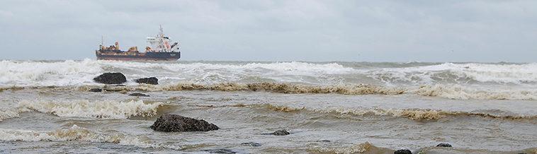 Schip voor de kust van Oostende