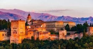 Het Alhambra bij zonsondergang