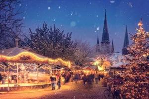 Kerstmarkt in de sneeuw