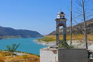 Uitzicht op de Asprokremmos dam Cyprus