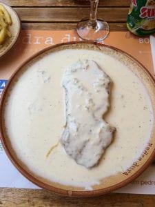 Biefstuk met kaassaus in Portugal