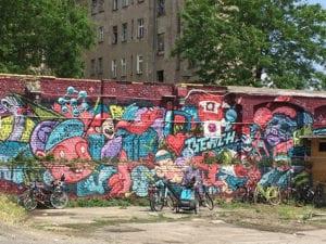 Graffiti op een muur in Berlijn