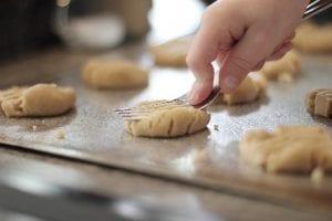 Koekjes bakken met de kinderen