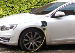 Elektrische auto opladen bij de Efteling